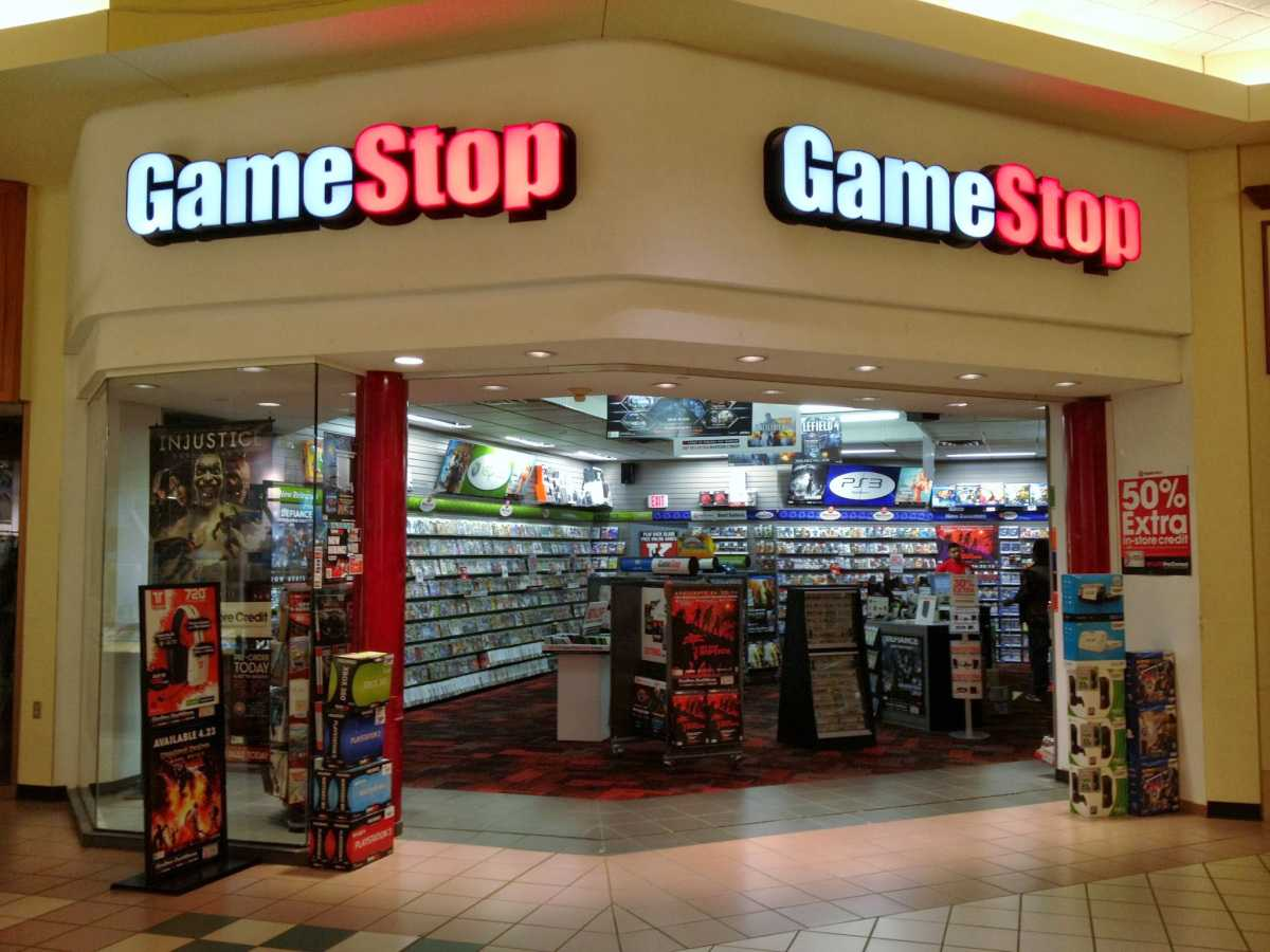 gamestop hours sunday