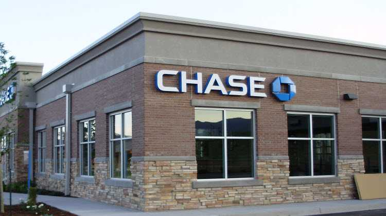 does chase bank have branches in uk