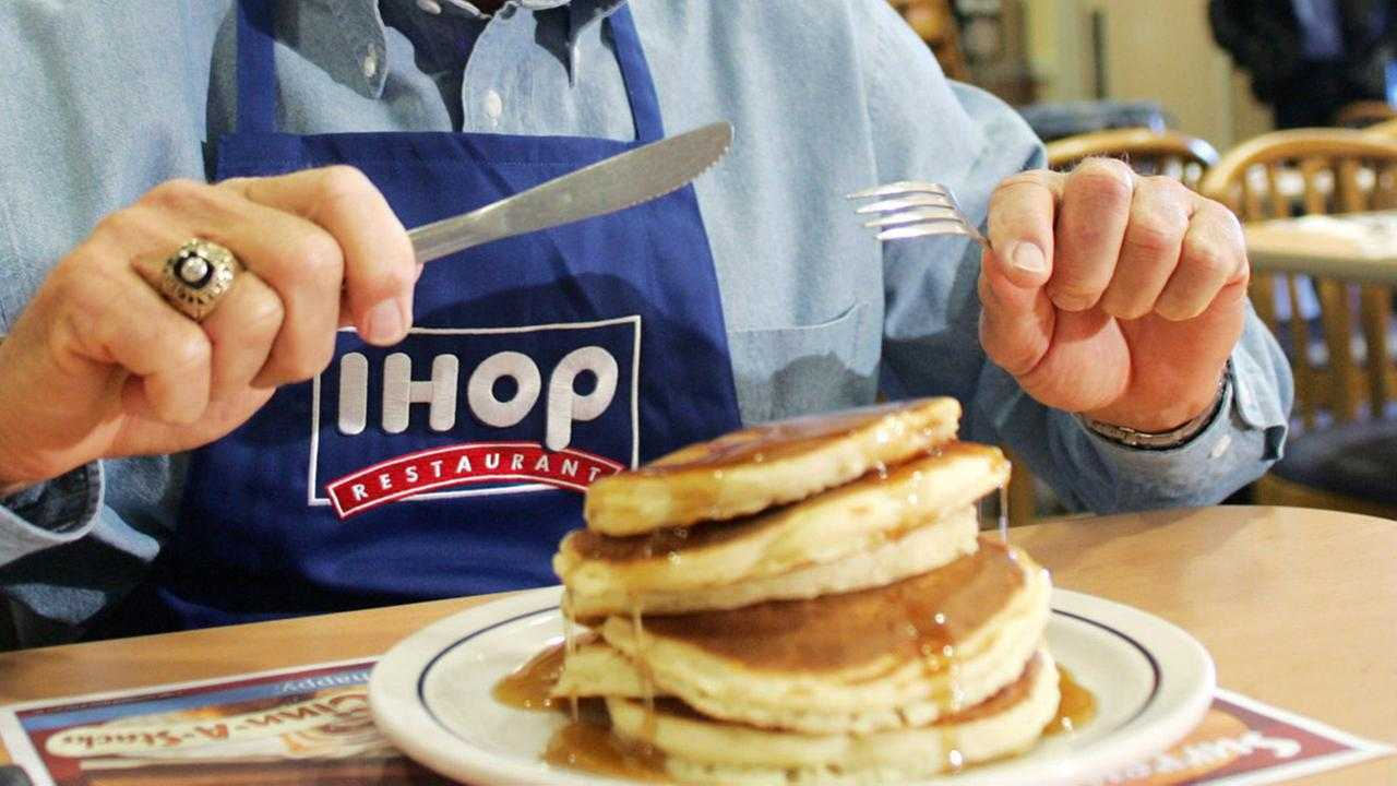 ihop hours, ihop holiday hours